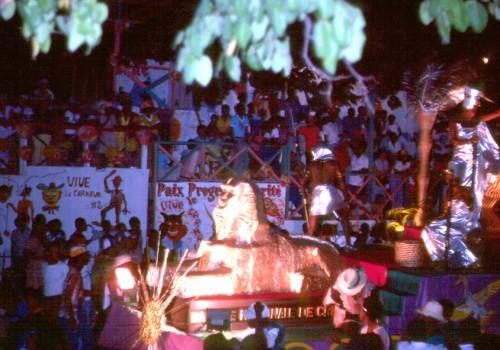 Haiti-Carnaval-16-char nuit.jpg